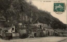 41 - LES ROCHES L'EVEQUE - Troglodytes - France