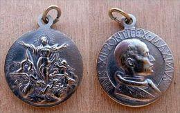 Mad-1132 Médaille Ancienne Pius XII - Godsdienst & Esoterisme