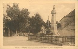 AUMONT AVENUE DE LA GARE ET PLACE DU SOUVENIR - Aumont Aubrac