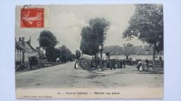 AUXI LE CHATEAU 80 Marche Aux PORCS Place Somme CPA Animee Postcard - France