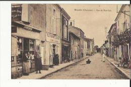 Mansle  16    La Rue De Bouviers Bien Animée-Restaurant-Epicerie-Café - Mansle