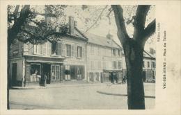 02 VIC SUR AISNE / Place Des Tilleuls / - Vic Sur Aisne