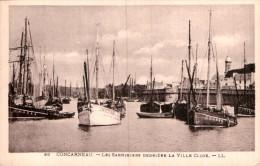 29 CONCARNEAU LES SARDINIERS DERRIERE LA VILLE CLOSE PAS CIRCULEE - Fishing Boats