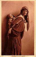 Afrique Du Nord     99    Bédouine Et Son Enfant - Cartes Postales