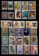 VATICANO  Lotto 28 Francobolli  MNH - Collections