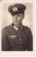 Carte Postale Photo Militaire Allemand Uniforme-Insigne Régiment 2 ème Guerre-Casquette - Guerre 1939-45