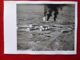 ALGERIE HASSI MESSAOUD VUE AERIENNE PUITS DE PETROLE PHOTO  18  X 13 - Plaatsen
