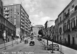 """02168 """"CAGLIARI - VIALE REGINA MARGHERITA"""" ANIMATA, AUTO ´50, SEDE PARTITO LIBERALE.   CART.   SPED. 1955 - Cagliari"""