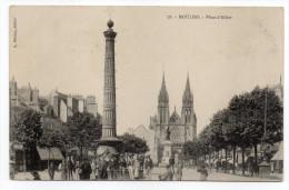 MOULINS--Place D'Allier (très Animée)  N°78  éd  L. Pétillat-----édition Pas Très Courante--Belle Carte - Moulins