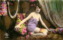 Nu - Carte Photo - Décor Art Nouveau Art Déco - Femmes Seins Nus Cul Nul - Thème Nue Nude érotique érotisme - Non Classés