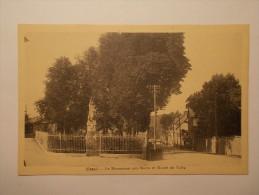 Carte Postale - USSEL (19) - Monument Aux Morts Et Route De Tulle (184/1000) - Ussel