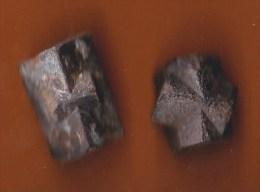 Staurotides Croisettes Bretagne Lot De 2 - Minéraux