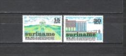 Suriname 1974 Organisationen Stiftungen Wirtschaft Landwirtschaft Mechanisierung Ackerbau Kunstdünger, Mi. 673-4 ** - Suriname