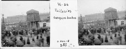V0283 - PARIS  ARMISTICE 11.11.1918 - Tuileries - Casques Boches - Original Rare à Saisir - Plaques De Verre