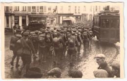 JAMBES (Namur) - Tram  Ligne 2 - Soldats anglais quittant le pont de Jambes - Photo carte - En 1914 (rare)