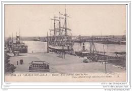 Cpa Réf-JP-Y376  ( Dép-17 à LA-PALLICE-ROCHELLE )  Un Quatre Mats Entrant Dans La Sas . - Sailing Vessels