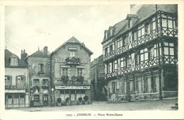 JOSSELIN - Place Notre-Dame                                               -- La Cigogne 1307 - Josselin