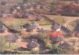 TRADICIONAL HOUSING IN SEROWE BOTSWANA POSTCARD CIRCA 1965 SOLD AS IS - Botswana