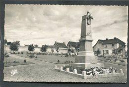 CPSM Format CPA - MONDEVILLE - Le Jardin Public - Le Monument Aux Morts - Frankreich