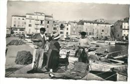 CPSM 83 SAINT- TROPEZ DISCUSSION ANIMEE PECHEURS - Saint-Tropez