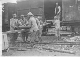 Somme:  Photo Déchargement D'un Train De Munitions _ Militaria - War 1914-18
