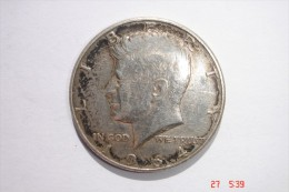 HALF DOLLAR  Argent 900/1000 - UNITED STATES OF AMERICA - Kennedy 1964 - LIberty - In God We Trust - A Nettoyer - Etat T - Monnaies
