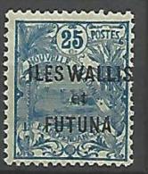 WALLIS N�  8  NEUF*  TRACE DE CHARNIERE / MH