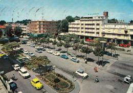 JESOLO - Mazzini Platz, Viele Autos - Italia