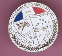46516- Pin's.Police Nationale.Saint Raphael.pétanque.tennis.cyclisme.Football. - Police