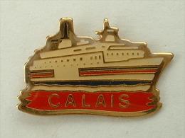 Pin´s FERRIE - CALAIS - Bateaux