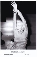 MARILYN MONROE - Film Star Pin Up - Publisher Swiftsure Postcards 2000 - Artistes