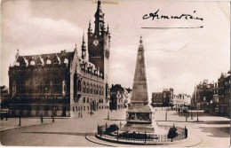 ARMENTIERES .59. Monument Aux Morts Et L'hotel De Ville .1933 - Armentieres