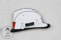 Fireman Firefighter, Spanish White Helmet - Pin Badge #PLS - Bomberos