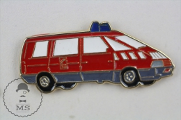 Sapeurs Pompiers / Fireman Firefighter Small Red Fire Rescue Truck - Pin Badge #PLS - Bomberos