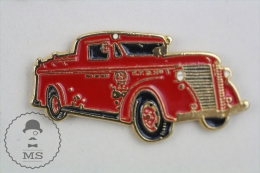 Sapeurs Pompiers / Fireman Firefighter Old Classic Fire Truck - Pin Badge #PLS - Bomberos