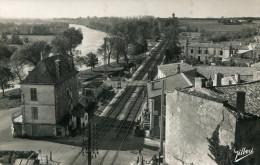 CPSM - TAILLEBOURG - QUAI DE LA GARE - LIGNE PARIS-BORDEAUX - Circulée En 1957 -  Édit° Gilbert -  TBE - - France