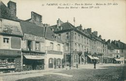 22 PAIMPOL / Place Du Martray / - Paimpol