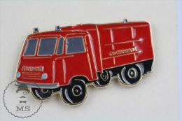 Sapeurs Pompiers / Fireman Firefighter Feuerwehr Deutch Fire Engine Truck - Pin Badge #PLS - Bomberos