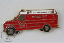 Sapeurs Pompiers / Fireman Firefighter St. Louis Fire Department - Command Post Fire Engine Truck - Pin Badge #PLS - Bomberos