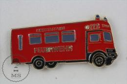 Sapeurs Pompiers / Fireman Firefighter Einsatzleiter Feuerwehr Deutch Fire Engine Truck - Pin Badge #PLS - Bomberos
