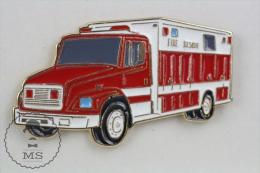 Sapeurs Pompiers / Fireman Firefighter Fire Rescue Truck - Pin Badge #PLS - Bomberos