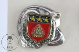 Sapeurs Pompiers / Fireman Firefighter Helmet - France  Coat Of Arms - Pin Badge #PLS - Bomberos
