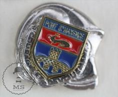 Sapeurs Pompiers / Fireman Firefighter Helmet - France Pont St. Maxence Coat Of Arms - Pin Badge #PLS - Bomberos