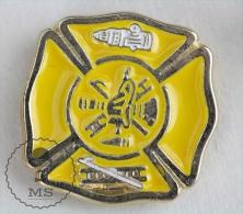 Fire Department - Fireman Firefighters/ Sapeurs Pompiers - Pin Badge #PLS - Bomberos