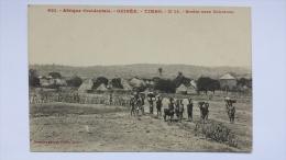GUINEE Afrique TIMBO 14 Sortie Vers SOKOTORO 621 Village Porteurs CPA Animee Postcard - Guinée