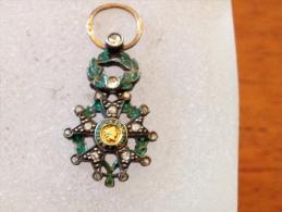 Très Rare Petit Mais Très Belle Légion D Honneur  Or Et Diamants - Médailles & Décorations