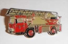 Camion Pompier Avec échelle - Pompieri