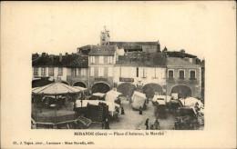 32 - MIRANDE - Marché - Kiosque - Mirande