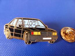 Pin's Arthus Bertrand - Mercedes Noire (AD3) - Arthus Bertrand
