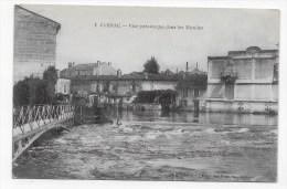 JARNAC EN 1917 - N° 3 - VUE PITTORESQUE DANS LES MOULINS AVEC PERSONNAGES SUR PONT - CPA  VOYAGEE - Jarnac